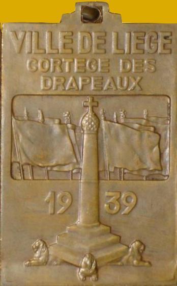 Expo 1939 médaille du cortège des drapeaux. Coll musée FAV