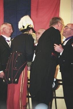 Mm. Poelmans et Verjans, Commandeurs de l'Ordre de St Martin